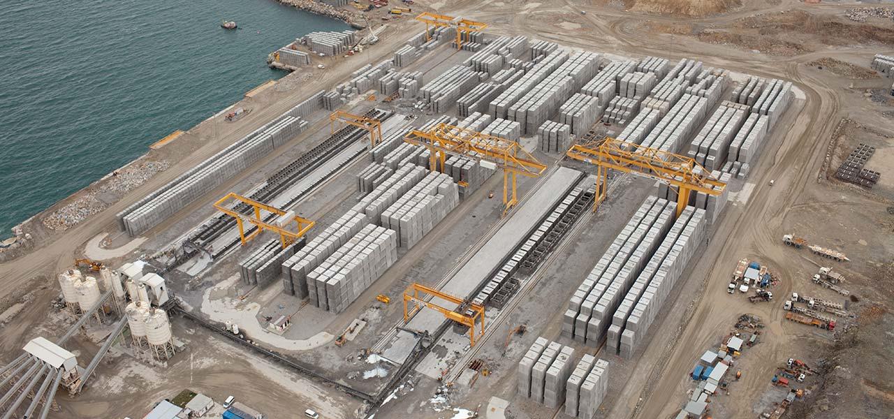 Nuevas Instalaciones Portuarias en Punta Langosteira en A Coruña, España